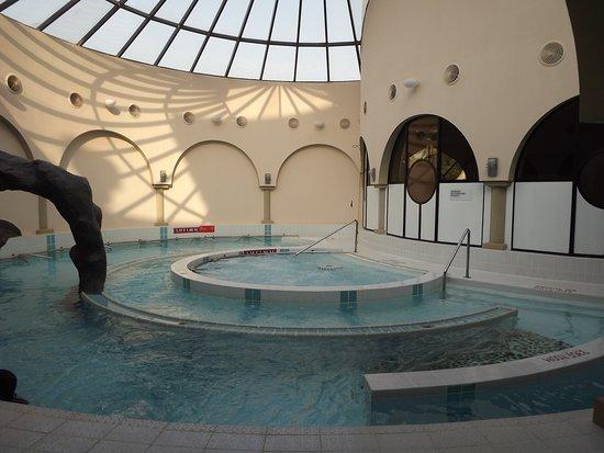 Le Meridien Abu Dhabi : SPA rilassante, confortevole, percorso benessere e idromassaggio