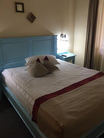 Camera da letto matrimoniale   picture of bastion hotel, sinaia ...