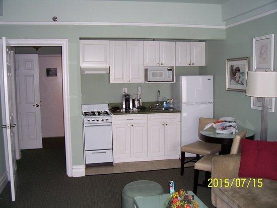 Hotel Beacon: Cocina y sala de estar