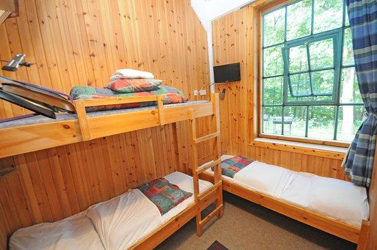 Kinlochleven, UK: 3 bedded room