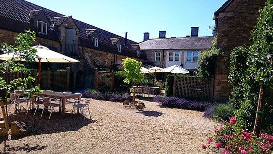 Corsham, UK: Courtyard