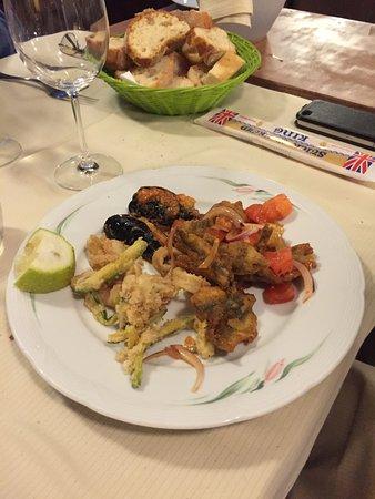 Vecchio Borgo: La frittura di mare con le verdure
