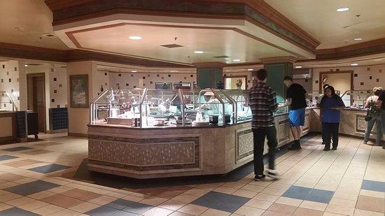 Corning, Калифорния: buffet selection