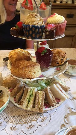 Best afternoon tea! 🍰
