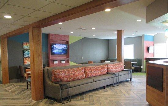 Enola, PA: Lobby Seating