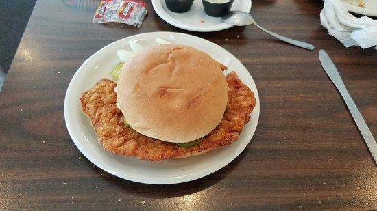 Adel, ไอโอวา: Breaded tenderloin