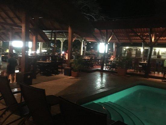 Hotel Coco Beach & Casino: Al fondo se aprecia el área del restaurante