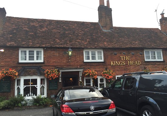 Little Marlow, UK: Lovely country pub with great food & friendly staff