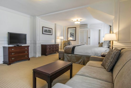 Digby, Canada: King Suite