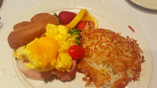 Milwaukee Athletic Club: Breakfast Bagel