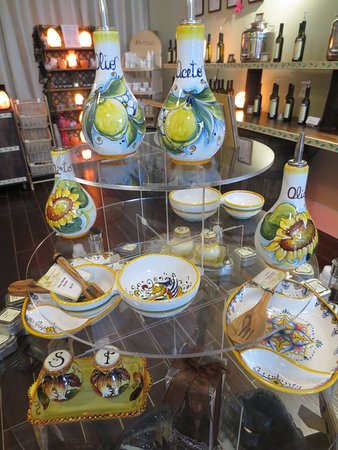 Lynchburg, VA: Hand made/painted ceramics from Italy. Each piece signed by the artist.