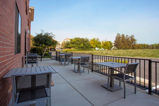 Davis, Калифорния: Outdoor Patio