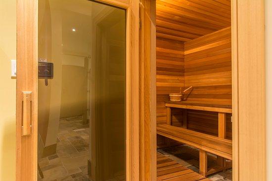 Digby, Canada: Sauna & Steam Shower