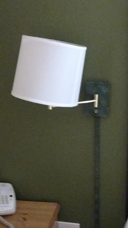 Extended Stay America - Durham - Research Triangle Park - Hwy 55: Nonfunctioning bedside light. Michell said nothing could be done.