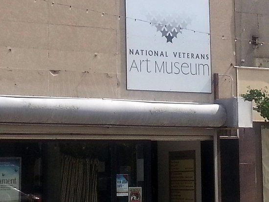 Front & sign for National Veterans Art Museum