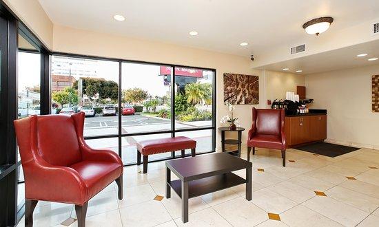 Elegant Red Roof Inn Santa Ana