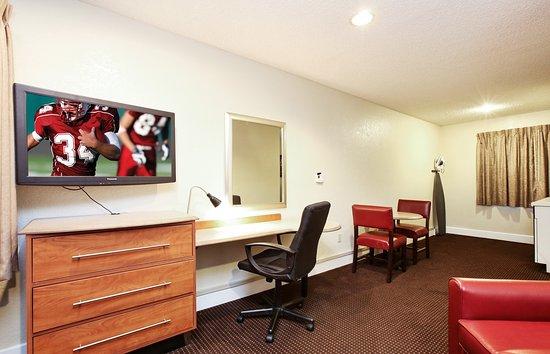 Nice Red Roof Inn Santa Ana