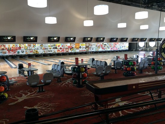 ‪Bowling Center‬
