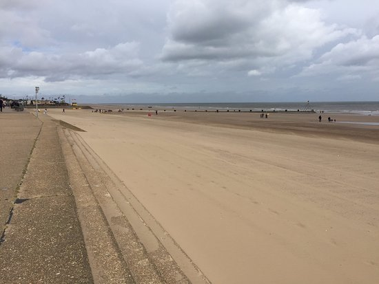 Download Mablethorpe beach stock photo. Image of holiday, evening - 62541166