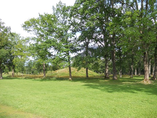 Midgard Historical Centre: One of the burial mounds at Borrehaugene