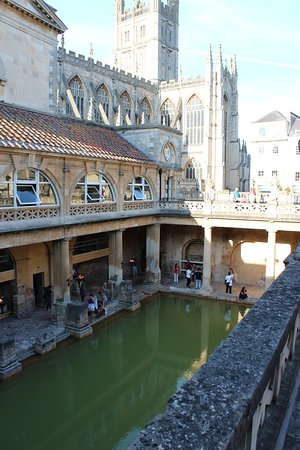 The large bath with the Cathedral in the background