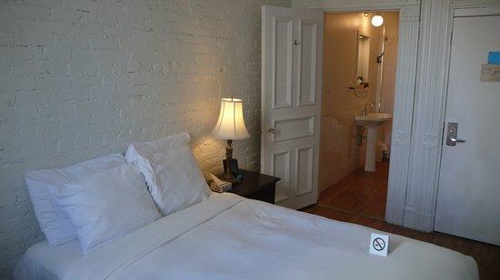 Hotel Ambrose: Habitación