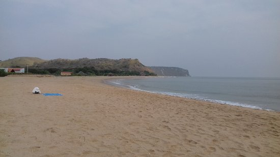 Cabo Ledo: View of a Cacimbo weathered beach