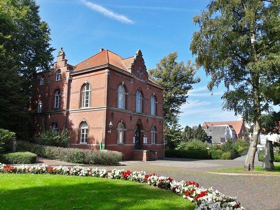 Schloss Ritzebüttel: 20160831_145050_Richtone(HDR)_large.jpg