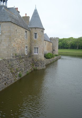Chateau de Flamanville: il castello sull'acqua