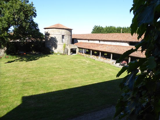 Le Mesangeau: View from rear of room