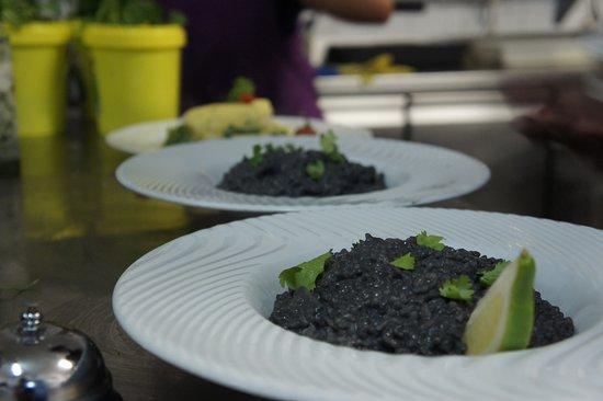 Restaurante La Toja : Arroz negro con tinta de calamar