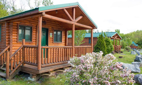 Yogi Bear's Jellystone Park Camp-Resort  Hagerstown: Cabins