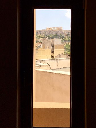 O&B Athens Boutique Hotel: view from shower!