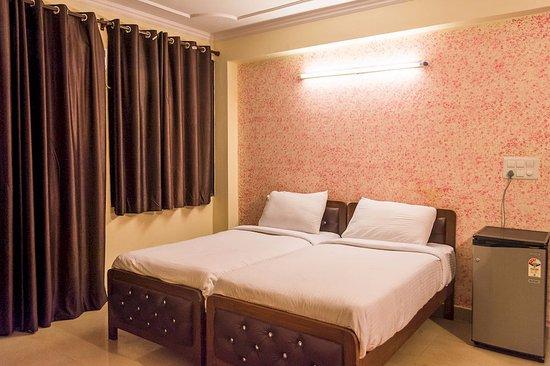 Charanpahari Hotel