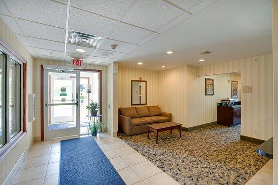 Clintonville, Wisconsin: Lobby