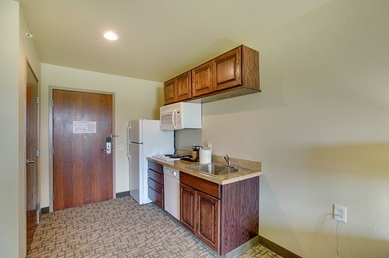 Clintonville, WI: Extended Stay Kitchenette