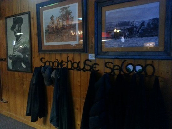 Smokehouse Saloon: 20160825_211326_large.jpg
