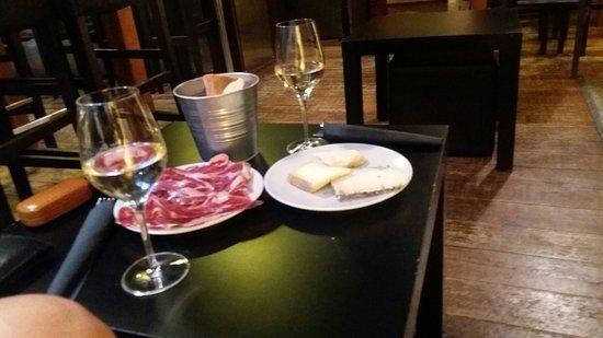 Le Wine Bar : 20160831_203730_large.jpg