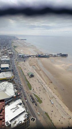 The Blackpool Tower: Great views from the top highly recommended