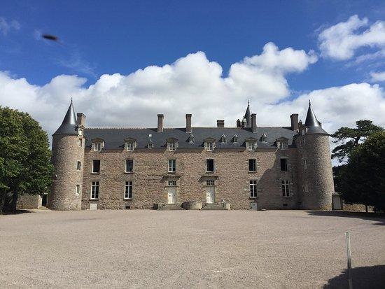 Chateau de Bienassis: photo0.jpg
