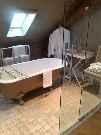 Hotel Recour: lekker languit en dadelijk warm water.