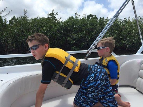 جورج تاون, جراند كايمان: My boys while we were still in the canal on our way out to open water