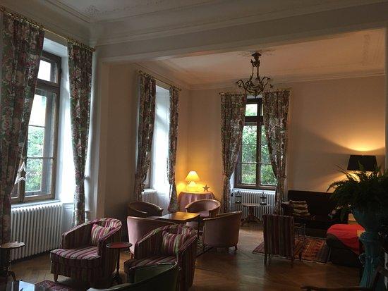 Hotel Richemond: Sitting room off the lobby
