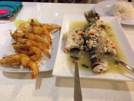 Fish with Lemon Juice and Jumbo Prawns with Rice