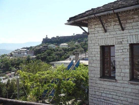 Esterno vista del castello