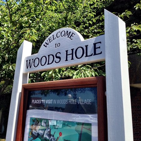 Woods Hole Inn: Woods Hole is filled with science institutions like WHOI, MBL, NOAA, Woods Hole Research Center