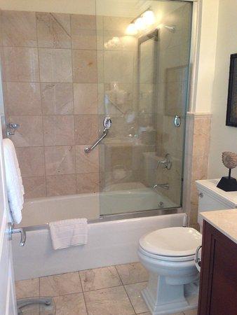 Seven Stars Resort & Spa: Bagno con vasca