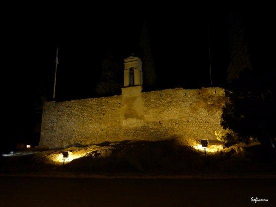 Το φρούριο τη νύχτα
