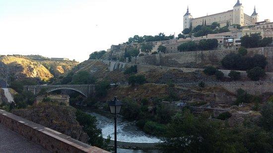 Alcantara Bridge : Alcázar sobre el Río Tajo