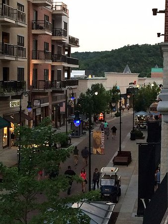 Hilton Promenade at Branson Landing: view of the promenade from the balcony to the right